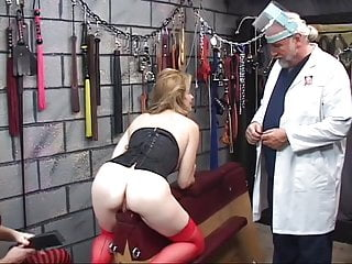 Slave clit tickled by vibrator until she squirts...
