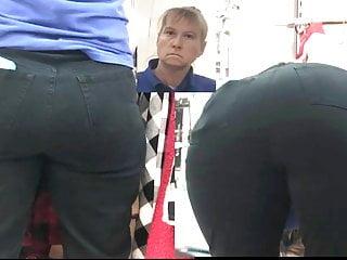 Big Ass Milf Mature vid: Big Booty GILF Bending Over Hard At Work