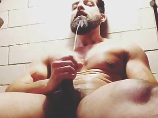Muscle Horny Guy Shoots His Hot Load After Gym