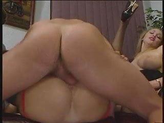 Anika Perro & Tamara radaz 3som