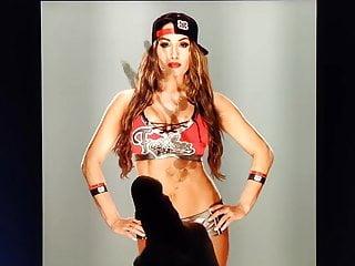 Cum Tribute – Nikki Bella