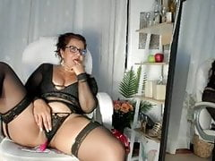 MILF Eva-Mature riding dildo in sexy lingerie!