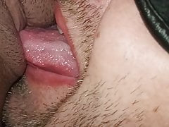 Amateur couple, hubby licks his pregnant wife's pussy
