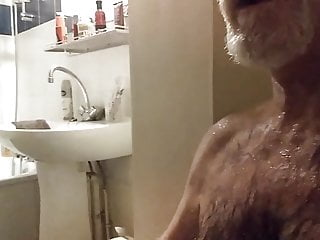 سکس گی un ami m arrose de sa pisse voyeur  old+young  masturbation  hd videos couple  big cock  bear