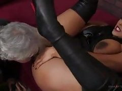 Facesitting Mistress Ebony Big Butt Kiara Mia
