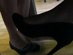Candid feet and heels at work #24