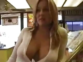 Flashing in cafe!
