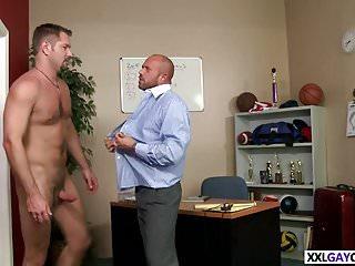 Well hung stud fucks tight ass