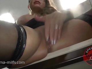 Kinky Jizz Milf Sexy Susi Gets Fine Creampie - 10114