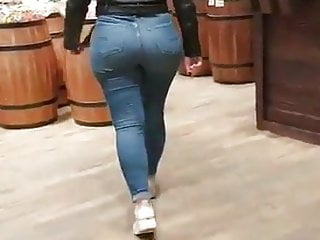 Candid juicy booty