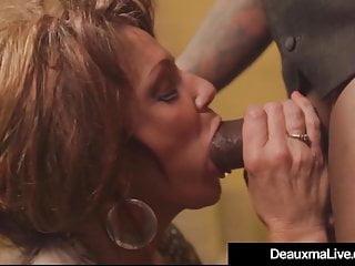 Calda cougar matura Deauxma viene forata da un grosso cazzo nero