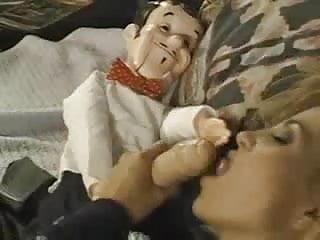 Allysin Chaynes Cojida Por Marionetas