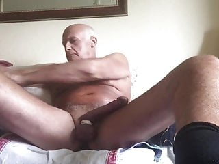 Laabanthony daddy shoots with big dildo up him
