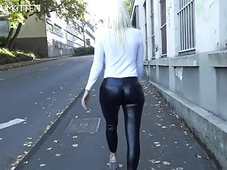 LEGGINGSWALK SPERMAWALK CumKitten Lara  AND -