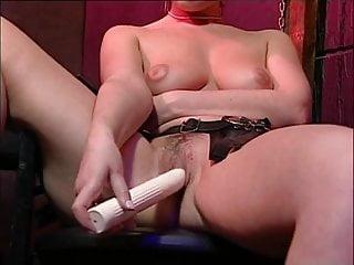 British slut Samantha Jayne fucks herself with a dildo